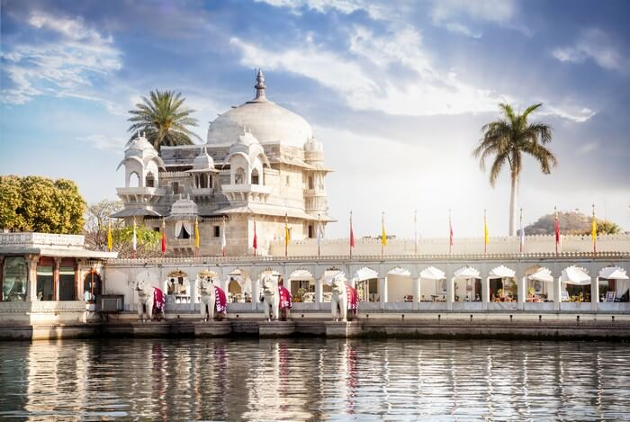 The beautiful Lake Palace sitting upon Lake Pichola is the most important place to visit in Udaipur